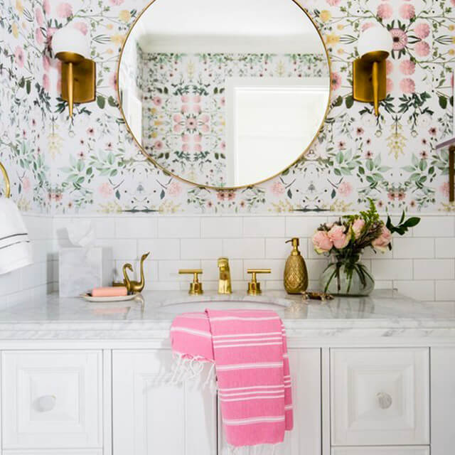 How to hang wallpaper in humid areas